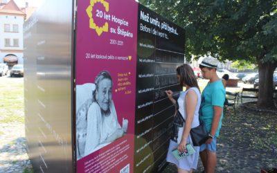 Zeď přání je nyní na Mírovém náměstí v Litoměřicích