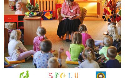 Dětem ve školkách na Teplicku předčítají pohádky dobrovolníci z řad seniorů